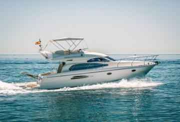 Luxury boat Astondoa 40